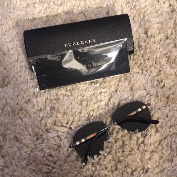 bb8d7b794815 Burberry Accessories - Check Detail Pilot Sunglasses